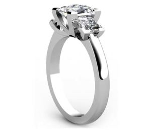Princess Cut Diamond Three Stone Engagement Ring with V Shaped Design 4 2